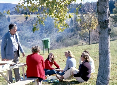 April 1978...picnic with both families at river...sadly older generation in pic have passed away